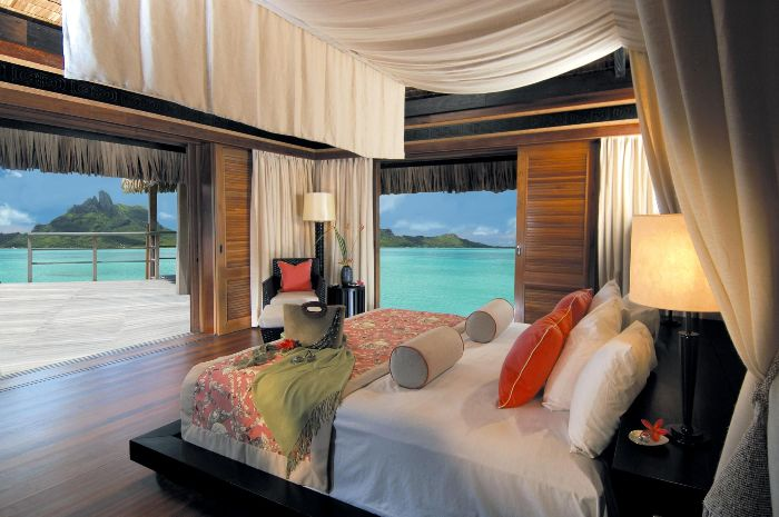 St-Regis-Resort-Bora-Bora_1287766867