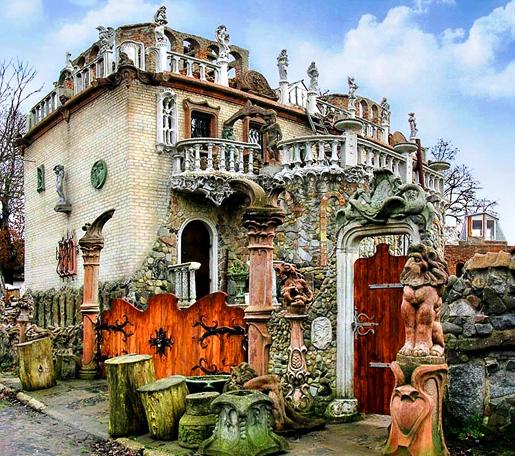 «Химерний будинок» без химер – еклектичний Дім скульптора у Луцьку (фото)