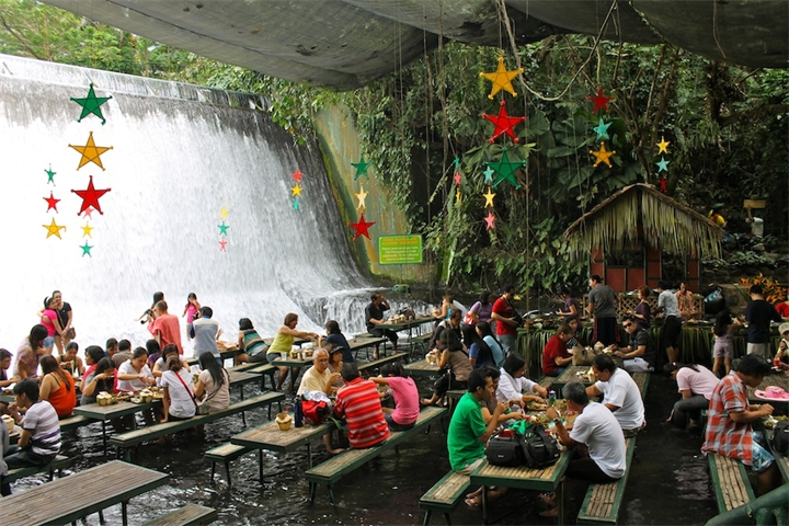 Labazin-Labasin-RestoranVodopad-Filippiny