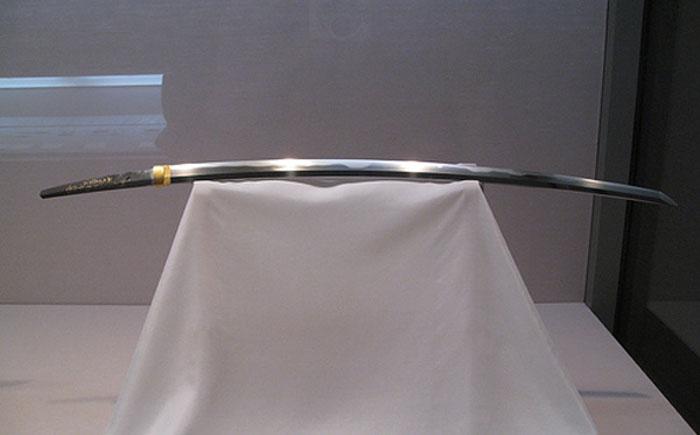 original_mysterious-swords-5