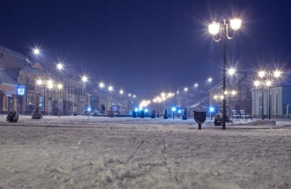 Зимовий Хуст вночі фото Alexandr777