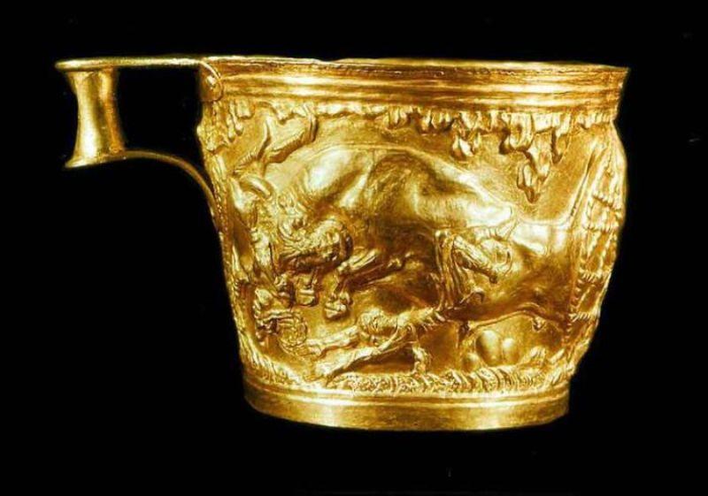 Золота чаша із затонулого корабля.