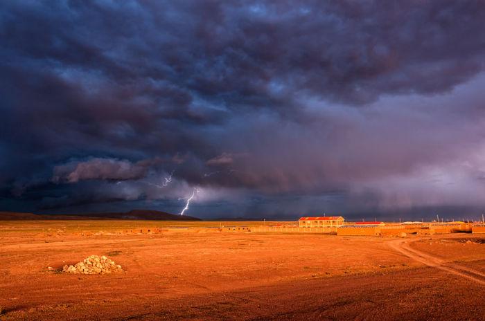 Гроза. Болівія. Автор фото: Antony Harrison.