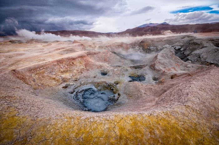 Долина сірчаних гейзерів Соль-де-Маньяна. Болівія. Автор фото: Antony Harrison.