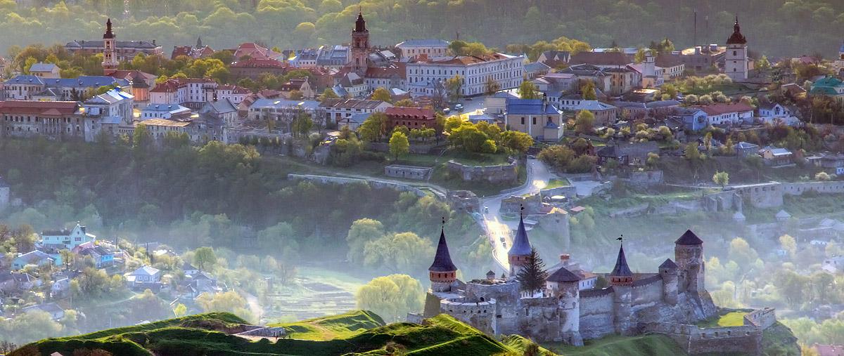 Кам'янець-Подільський, Старе місто, вид з повітряної кулі. Фото: Олег Жарій