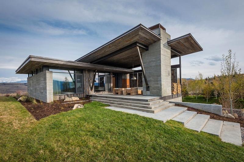 Крутий будинок у горах з каміном на свіжому повітрі в стилі еко (2)