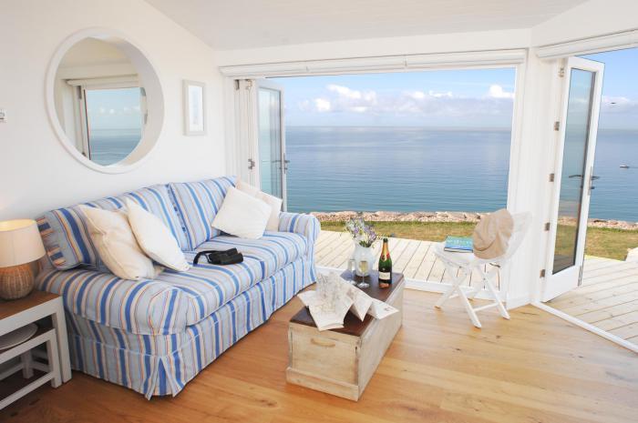 Морські мотиви в дизайні маленького житла
