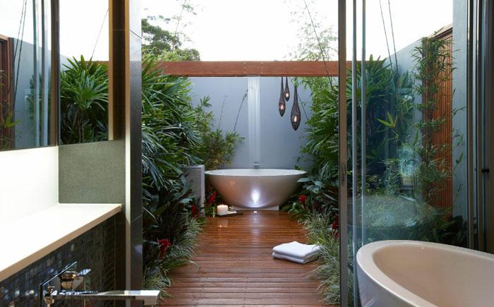 Ванна всередині і ванна зовні