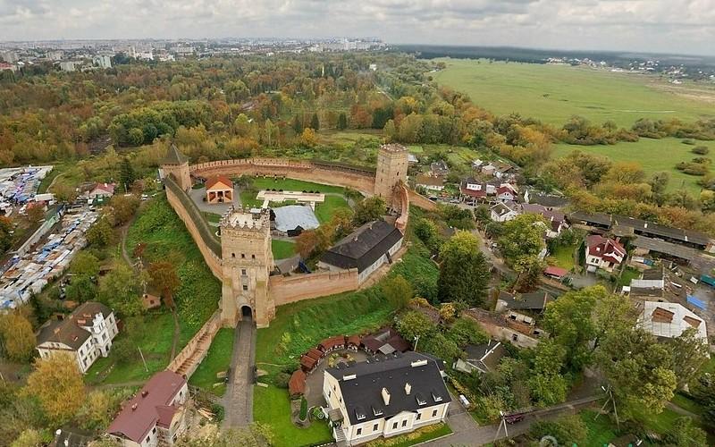 Lutsk_castle02