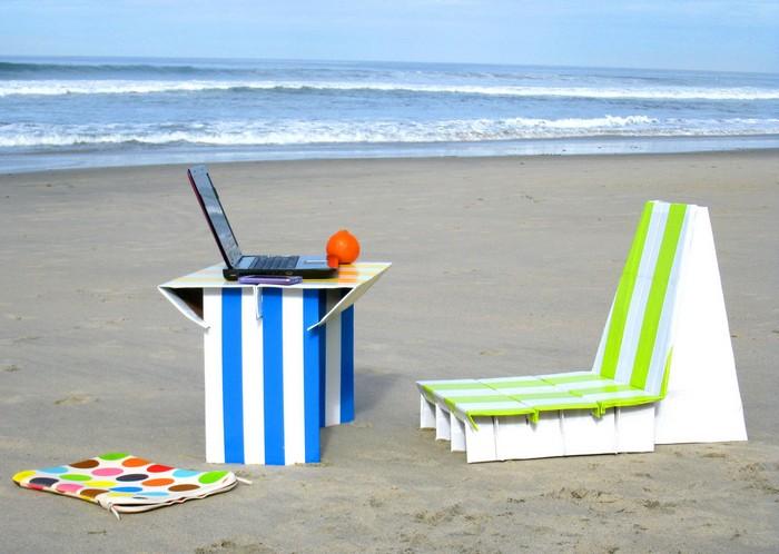 Flat-pack Cardboard Beach Office - набір офісних меблів для пляжу