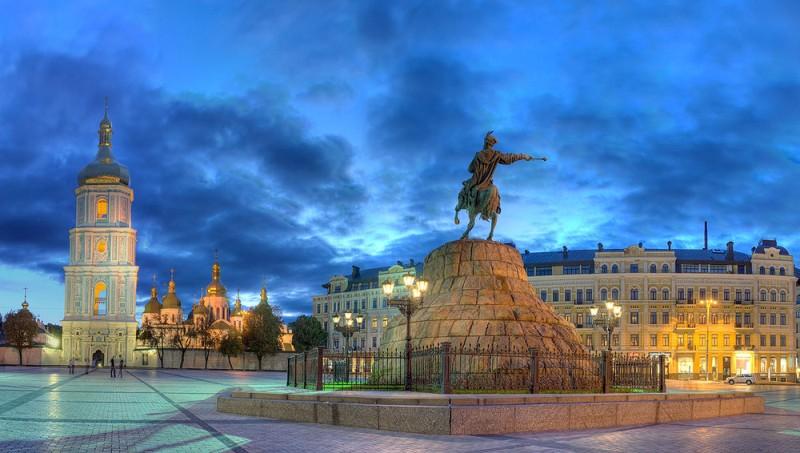 Софіївська площа (фото: Олег Жарій)