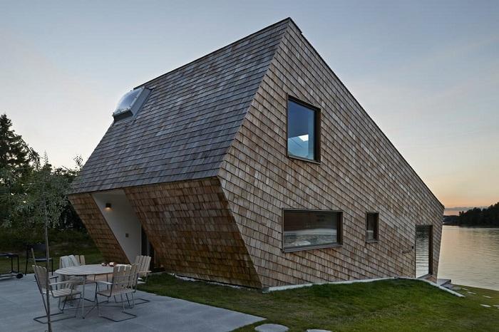 Cone House - будинок на схилі біля озера