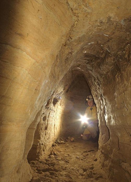 Тунелі кам'яного століття