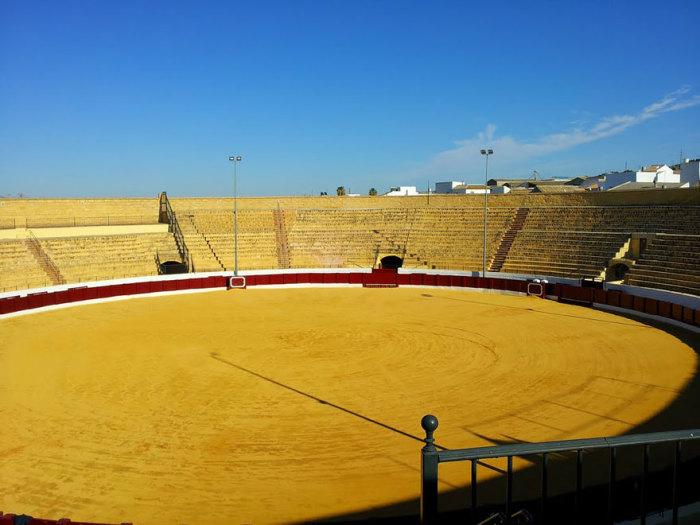 Велика Яма Дазнака: арена Плаза-де-Торос в місті Осуна, Іспанія.