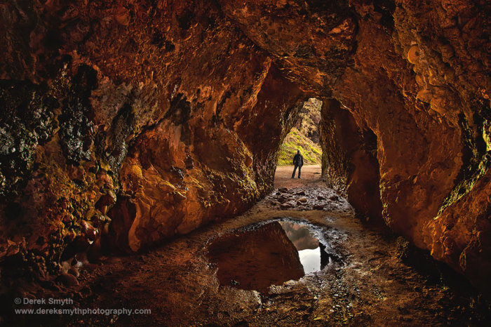Штормові землі: печери Кушендан Північна Ірландія.  Автор фото: Дерек Сміт.