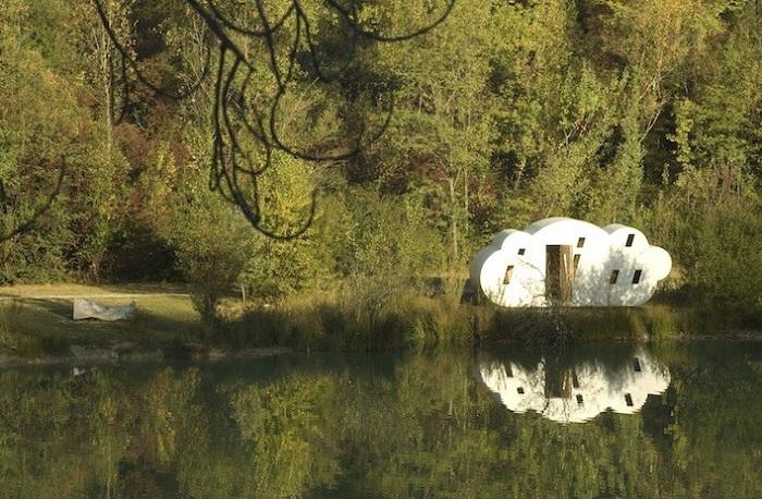 Le Nuage - заміський будиночок у вигляді хмаринки