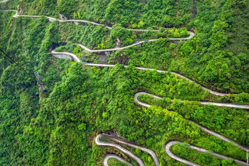 Дорога на горі