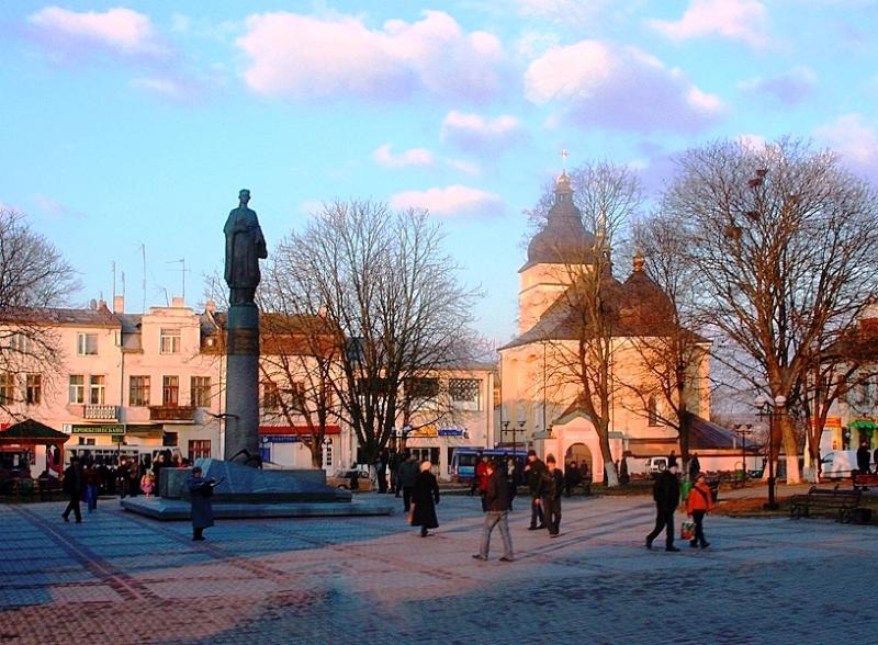 Пам`ятник Роксолані фото: panoramakiev.narod.ru