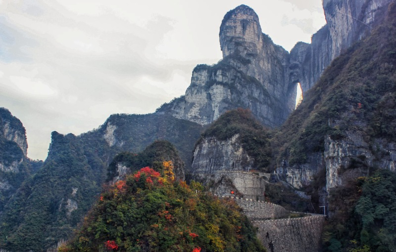 Tianmen-Mountain-Heaven-Linking-Avenue