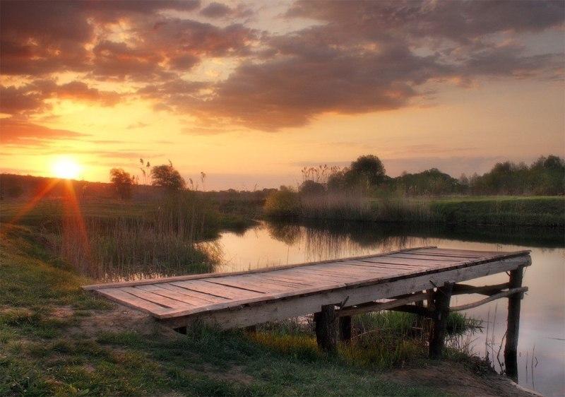 Світанок на річці Вовча фото: Віктор