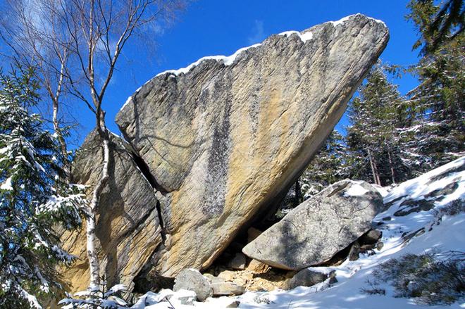 Писаний камінь – одне з наймагічніших місць в Карпатах