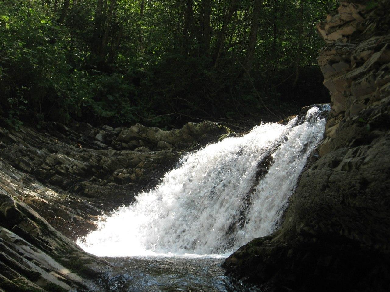 Водоспад Шешорський Гук (Сріблясті водоспади)