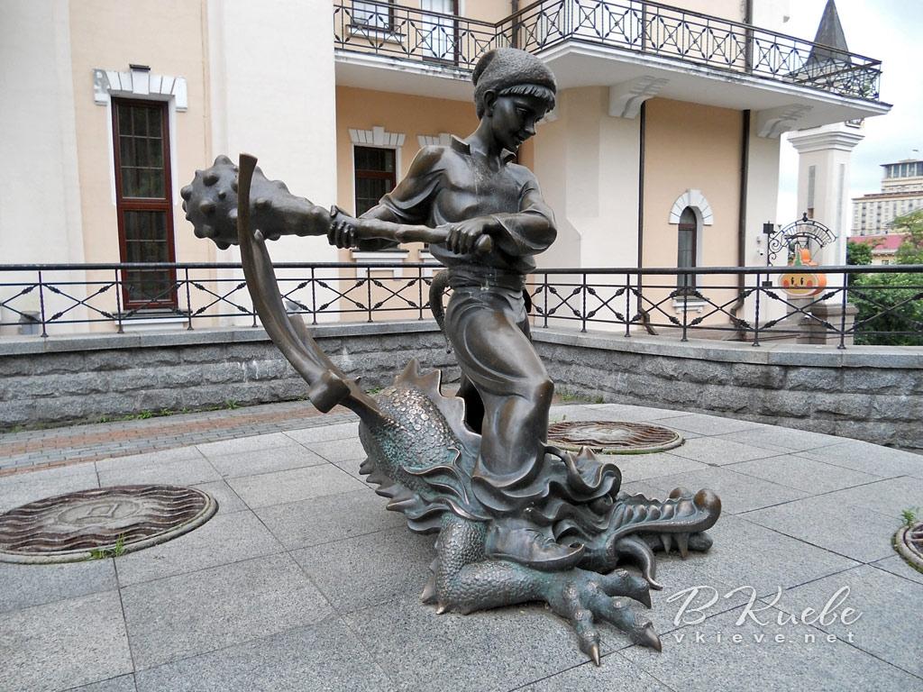 Скульптура Котигорошка