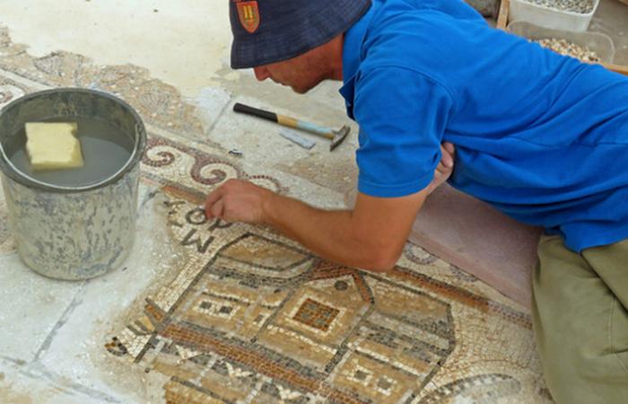 Таємнича мозаїка: карта древнього міста.
