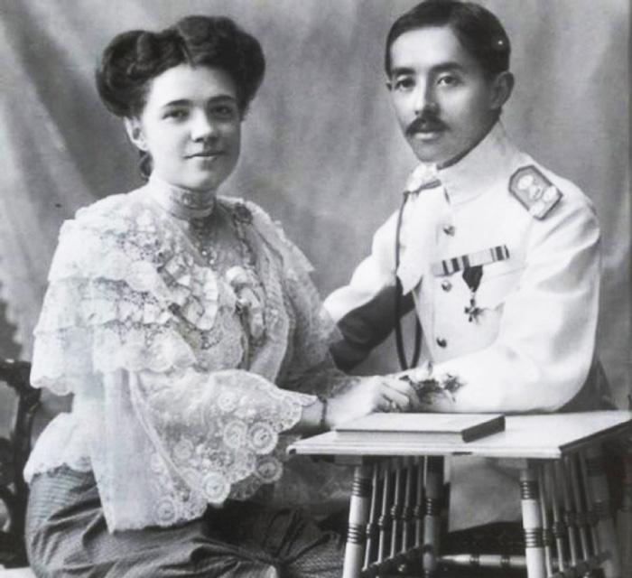 Катерина Десницька і принц Сіаму Чакрабонгсе Буванафа