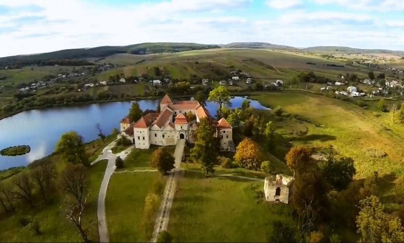 Замок, розташований у селі Свірж Перемишлянського району Львівської області.