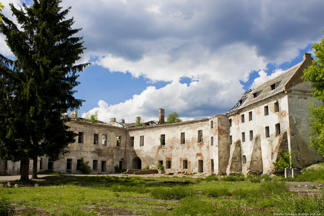 Клеванський замок, розташований у західній частині смт Клевань, що в Рівненському районі Рівненської області.