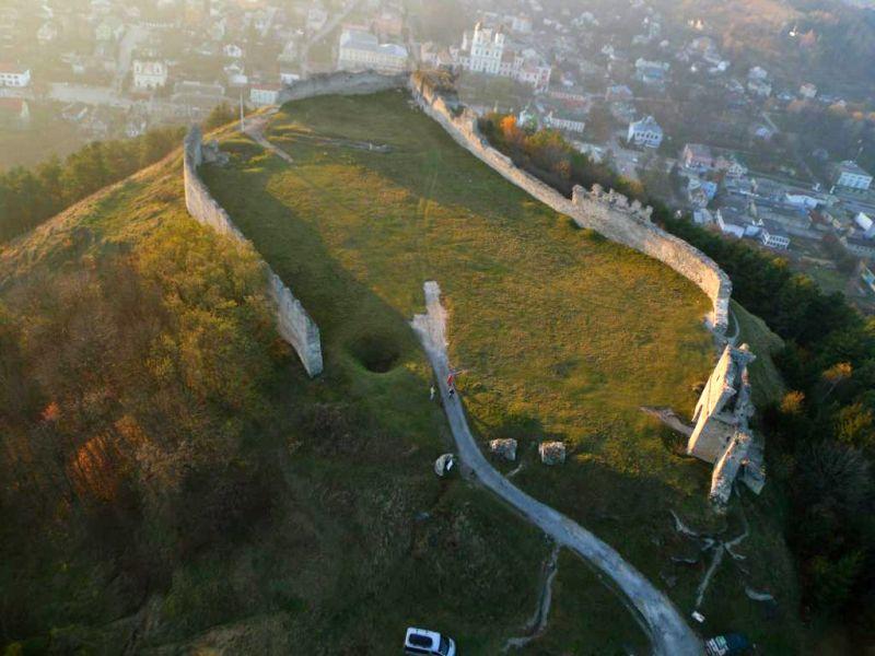 Кременецький замок — фортифікаційна оборонна споруда в м. Кременець Тернопільської області.