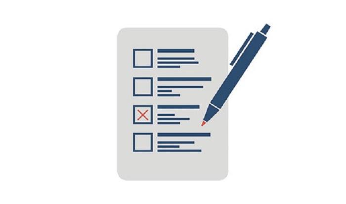 Кожна людина вписана в список виборців запрошенаі повинна з'явитися на виборчу дільницю.