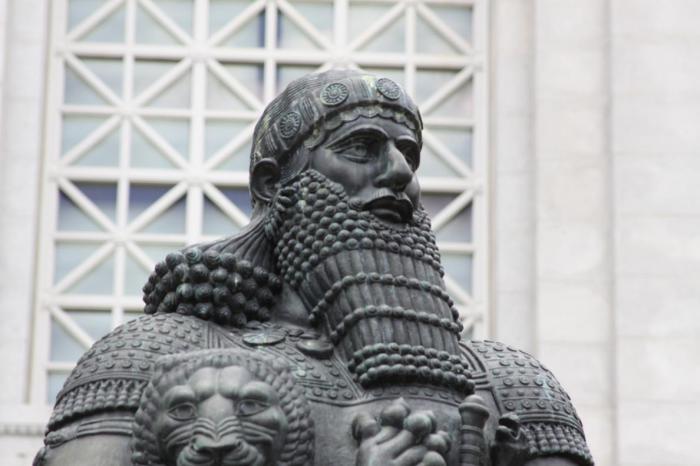Вавилонський цар Хаммурапі. | Фото: 3.bp.blogspot.com.