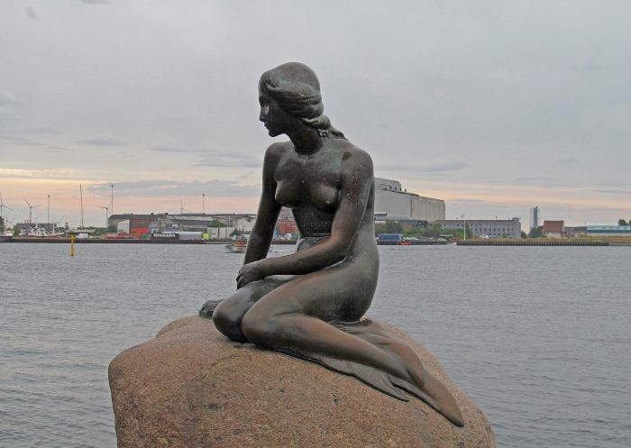 Пам'ятник Русалоньці в бухті Копенгагена
