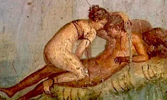 Покарання за подружню зраду передбачалося тільки для жінок. | Фото: milanopost.info.