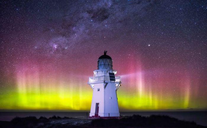 Світіння верхніх шарів атмосфери.