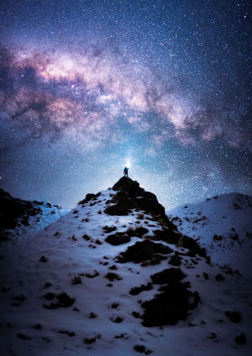 Підкорення гори залишається найбільшим досягненням альпінізму, а, стоячи на вершині гори, відчуваєш себе на вершині світу.