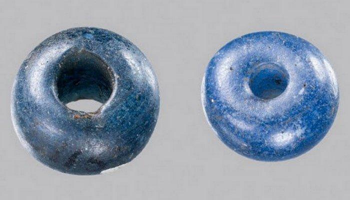 Древній Єгипет: сині намистинки Олбі.