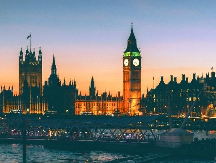 До Лондона на чашку чаю.