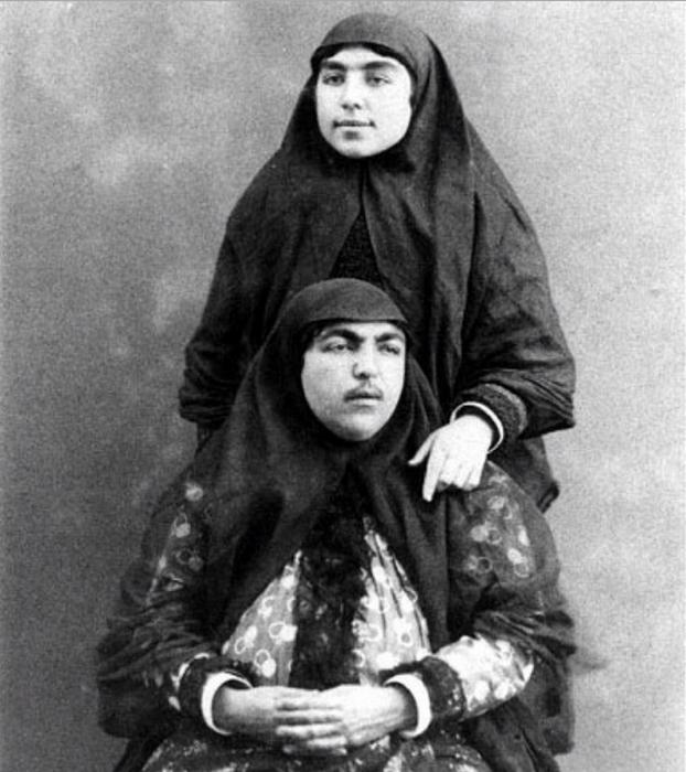 Незрівнянна Аніс аль-Долех (сидить).