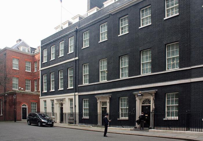 Даунінг-стріт, 10 - офіційна резиденція прем'єр-міністра Великобританії. | Фото: ru.wikipedia.org.