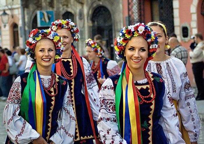 Український вінок — краса і традиції сплелись воєдино