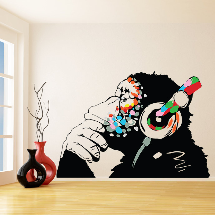 Вінілові наклейки на стіну додадуть інтер'єру особливої індивідуальності і краси.