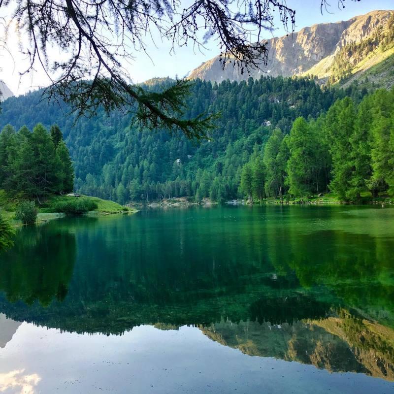 В сеть попали фотографии альпийского городка, в котором запрещено фотографировать