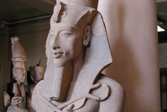 Не факт: гробниця Ехнатона.