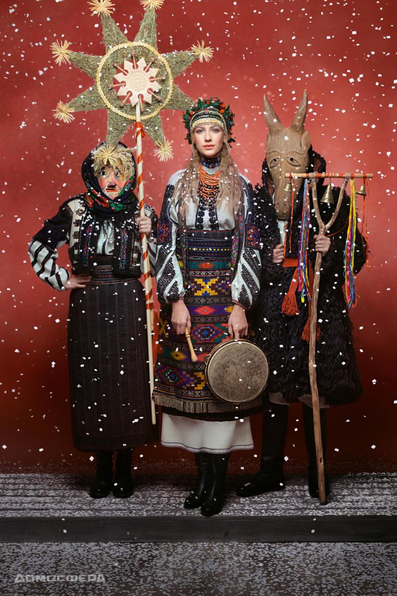 Телеведуча Леся Нікітюк одягнена у весільний стрій з Тернопільської області  кінця ХІХ – початку ХХ століття. 4ffcc484708ab